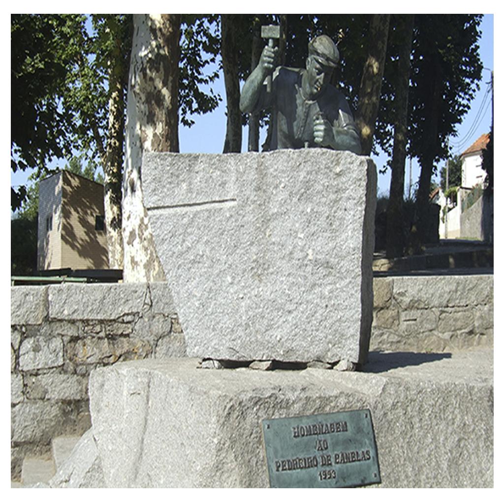 Monumento do Pedreiro de Canelas